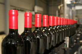 บรรจุ ไวน์แดง ลงขวด